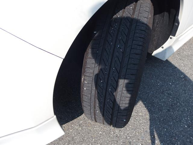 タイヤの残り溝も充分あります。