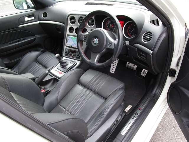 2.2 JTS セレスピード TI ワンオーナー車ナビ・ETC・黒革Ti専用シート・専用ステアリング(5枚目)