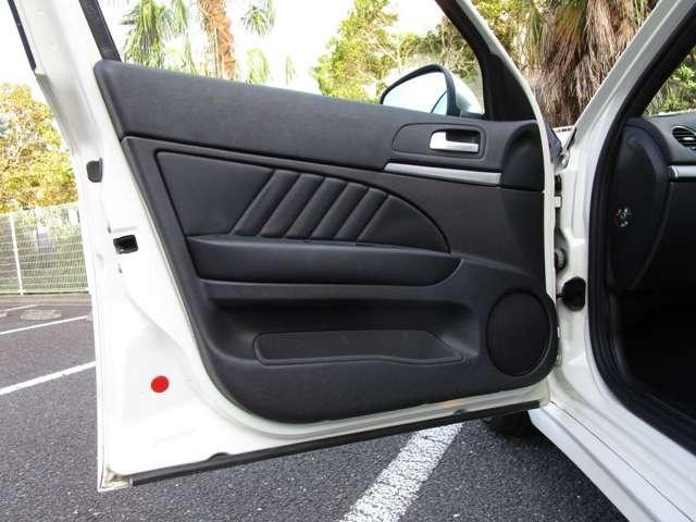 2.2 JTS セレスピード TI ワンオーナー車ナビ・ETC・黒革Ti専用シート・専用ステアリング(12枚目)