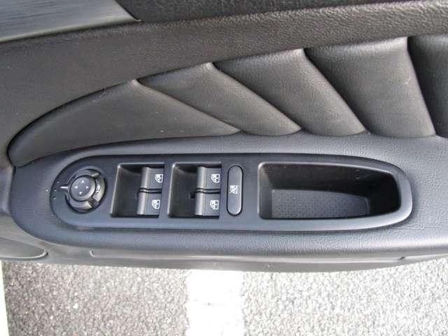 2.2 JTS セレスピード TI ワンオーナー車ナビ・ETC・黒革Ti専用シート・専用ステアリング(13枚目)
