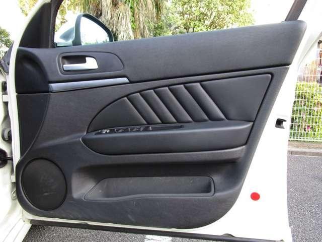 2.2 JTS セレスピード TI ワンオーナー車ナビ・ETC・黒革Ti専用シート・専用ステアリング(14枚目)