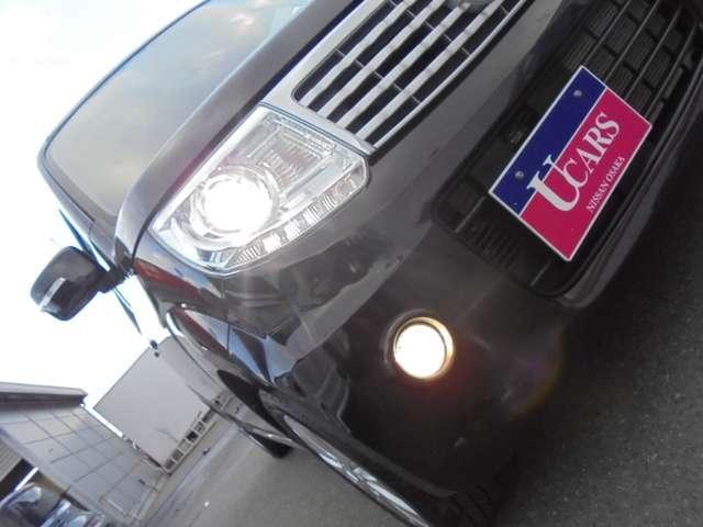 ナイトドライブを、明るく安全に照らしてくれる、プロジェクタータイプのキセノンヘッドランプ&フォグランプ!!