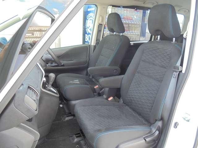 クッション性のよいフロントシート!包み込まれるような安心感で、ドライブをお楽しみいただけます!!