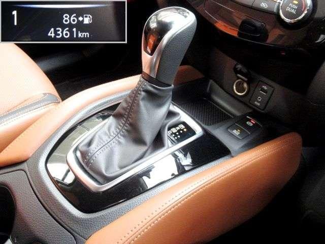 20Xi レザーエディション Vセレクション 4WD プロパイロット ニッサンコネクトナビ フルセグTV アラウンドビューモニター タンレザーシート 前後シートヒーター 前席パワーシート 電動バックドア エマージェンシーブレーキ(9枚目)