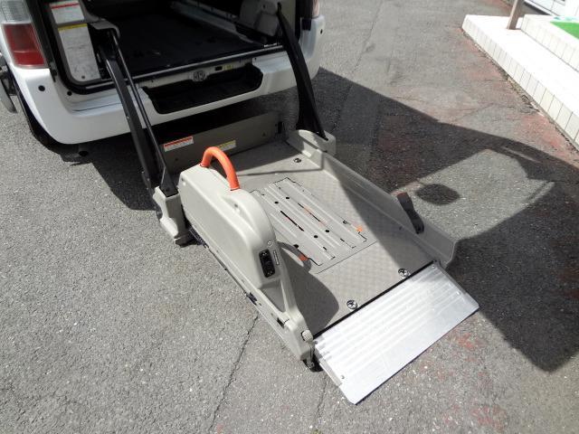 日産 キャラバンバス 車椅子移動車