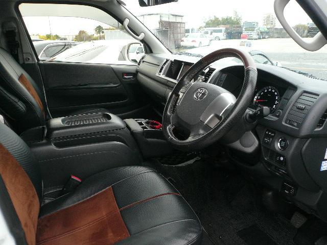 トヨタ ハイエースワゴン GL 新車コンプリートカー4WD20アルミREVOシート