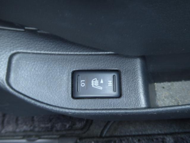 運転席と助手席にはシートヒーター付きです!!