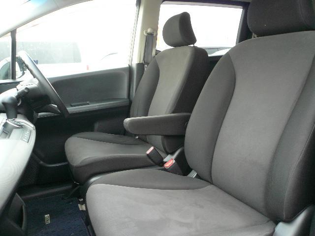 シート生地は触り心地が良く座っても気持ちいいですよ!