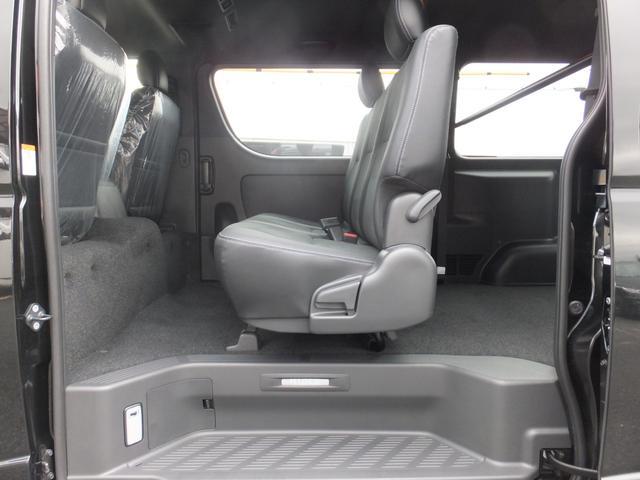 スーパーGL ダークプライムII 6型新車未登録ディーゼルTBモデリスタFエアロハーフレザー両側電動SRSエアバッグTOYOTAセフティーセンスPVM100V電源LEDヘッドライト新品mobleベッドキットPスタートスマートキー(28枚目)