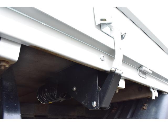 ワイドロング 5MT 荷台鉄板張り 積載4000Kg(18枚目)