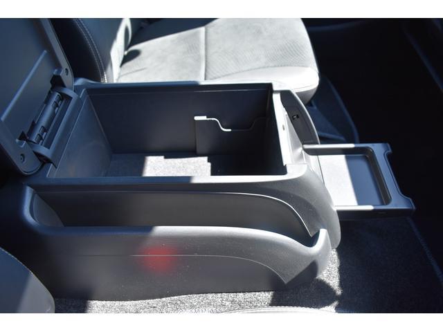 スーパーGL ダークプライムII ハイエース ダークプライム2 ブラックパール プッシュスタート LEDヘッドライト 両側スライドドア リアガラス窓有 TVナビ有 ETC有 バックカメラ 内張天井ブラック スマートキー 1オーナー(11枚目)