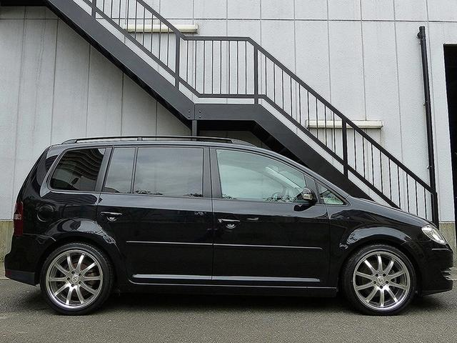 フォルクスワーゲン VW ゴルフトゥーラン TSI トレンドライン HDDナビ 18AW ローダウン