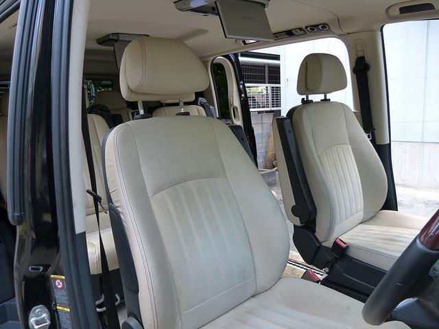 ■エクスクルーシブ専用アルカンタラツインシート(2-2-2) ・パワーシート ・シートヒーター  ・シートポジションメモリー機能