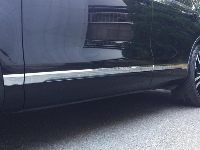 「フォルクスワーゲン」「トゥアレグ」「SUV・クロカン」「大阪府」の中古車45
