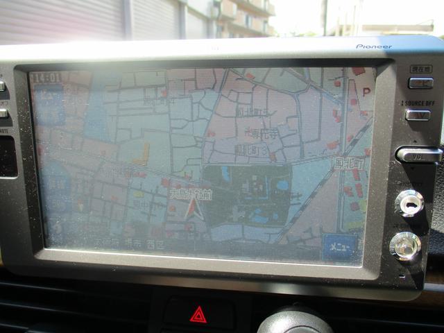 320i 社外ナビゲーションETCウッドパネルHIDキセノンライト プッシュスターターポタン純正キーレス新車整備手帳 保証書 正規ディーラー車(18枚目)