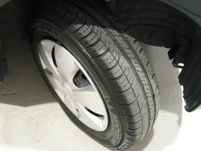 タイヤの溝もたっぷり残っています。
