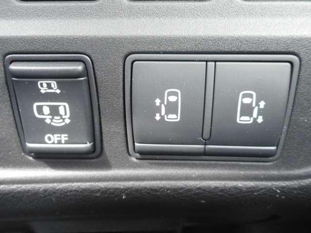 2.0 ハイウェイスター 後席モニター セーフティB 両側オート 全周囲 パーキングアシスト LEDヘッド ABS 1オーナー ETC Bカメラ メモリナビ ドラレコ ナビTV 盗難防止システム アルミ インテリジェントキー エマージェンシー キーフリー 両自動D(5枚目)