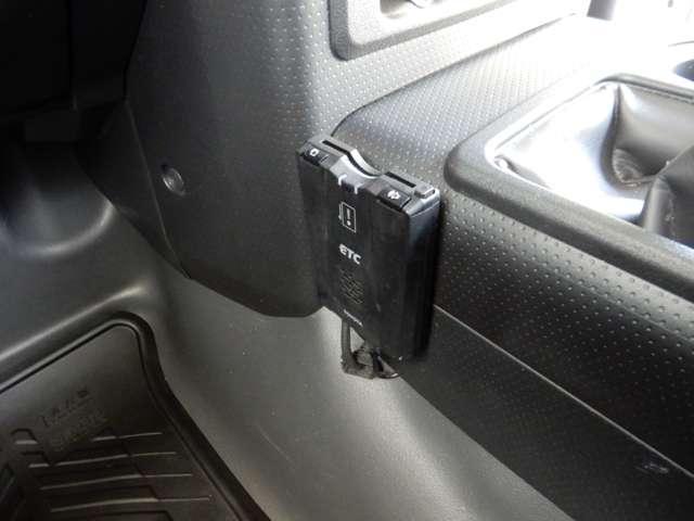 トヨタ FJクルーザー オフロードパッケージ 4WD HDDナビ リヤカメラ