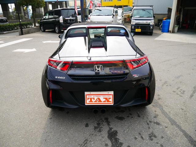 展示車輌は全て現場へ出向き、現車を確認後の徹底仕入れ!日本中を走り回ります!もちろん仕入れ後の点検整備、仕上げ(クリーニング、脱臭、ワックス)は当店のこだわりのひとつです!