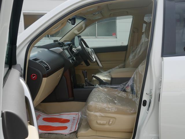 TZ-G 2.8ディーゼルターボ 4WD メーカーオプションナビ サンルーフ モデリスタウイングデッキ マフラー 全周囲カメラ フランクセン革シート AW ETC 7名乗り クルコン パワーシート 3列シート(45枚目)