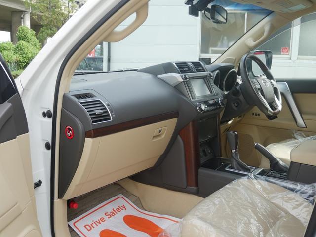 TZ-G 2.8ディーゼルターボ 4WD メーカーオプションナビ サンルーフ モデリスタウイングデッキ マフラー 全周囲カメラ フランクセン革シート AW ETC 7名乗り クルコン パワーシート 3列シート(47枚目)