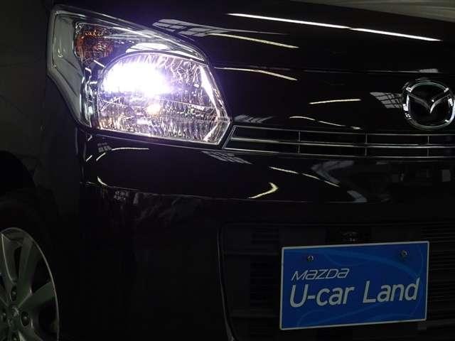 ディスチャージヘッドライトが装着されております!より遠く、より広く、より明るく照らしてくれます!その為、夜間の走行も運転もしやすく見やすいです。