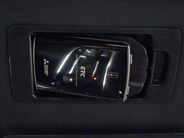 2.2XDプロアクティブ ディーゼルターボ 4WD セカンドベンチシート(10枚目)