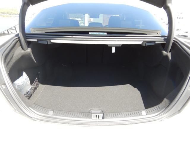 E220d アバンギャルド エクスクルーシブパッケージ ヘッドアップディスプレイ 黒革シート 純正フロアマット 1オーナー 禁煙車(17枚目)