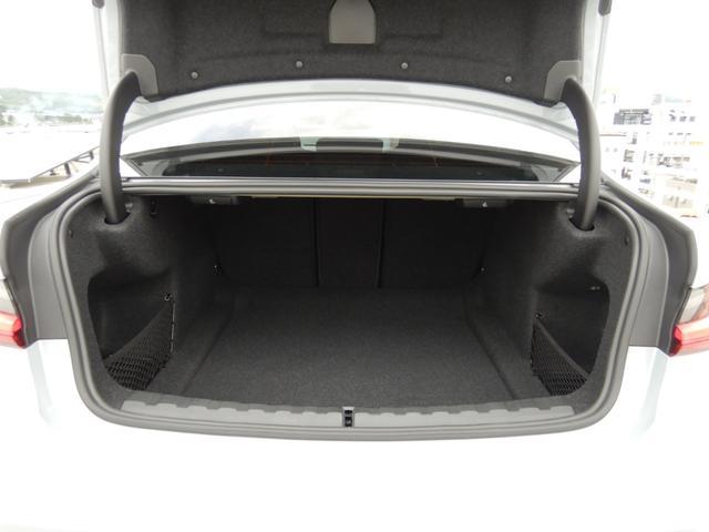 M3セダン コンペティション シートベンチレーション パーキングアシストプラス ヘッドアップディスプレイ 1オーナー 禁煙車(18枚目)