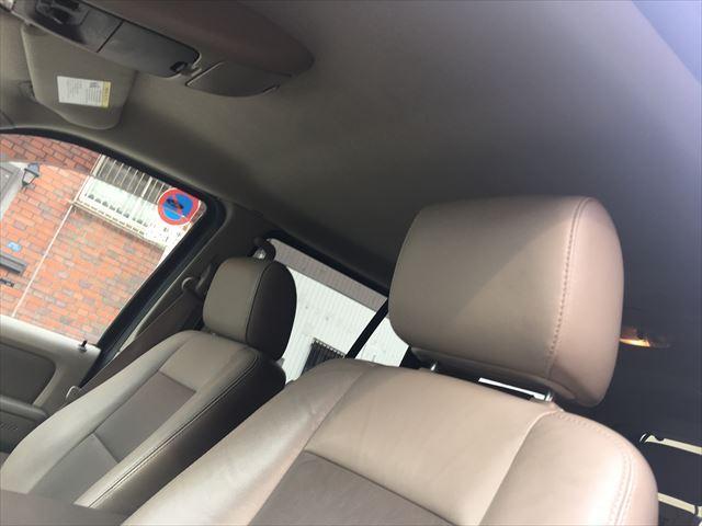 フォード フォード エクスプローラー XLTエクスクルーシブ革シートSDナビTVバックカメラ