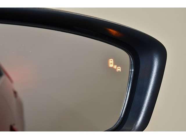 G ワンオーナー 後側方車両検知システム レーダークルーズコントロール フルセグメモリーナビ バックカメラ LEDヘッドライト 禁煙車(4枚目)