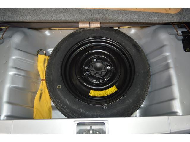 タイヤのトラブル時には、スペアタイヤを搭載しています!