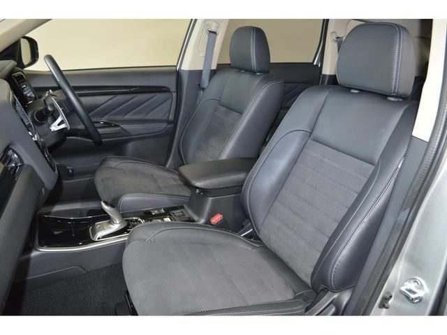 ゆったりサイズのフロントシートは長距離の運転でもドライバーの疲労を軽減してくれます!冬にはシートヒーターが役に立ちます!