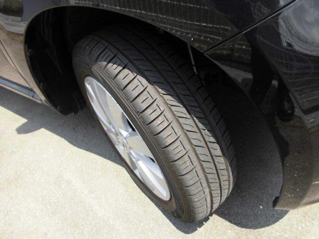 タイヤの溝、状態も良好です。