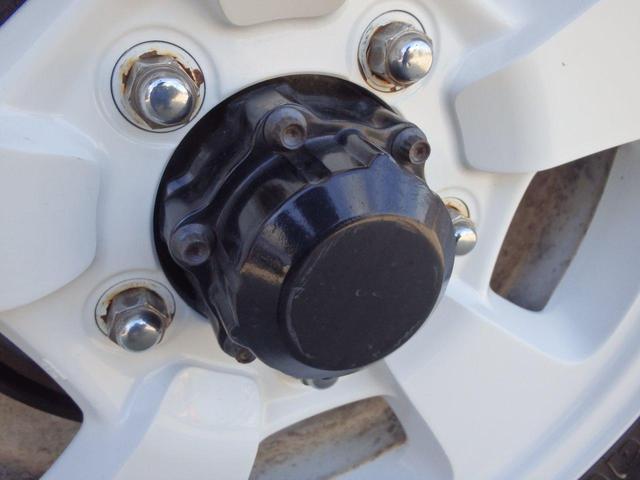 「タックのこだわり」フリーホイールハブの整備。表面の研磨や塗装だけでなく、必要であれば分解して整備も実施しています