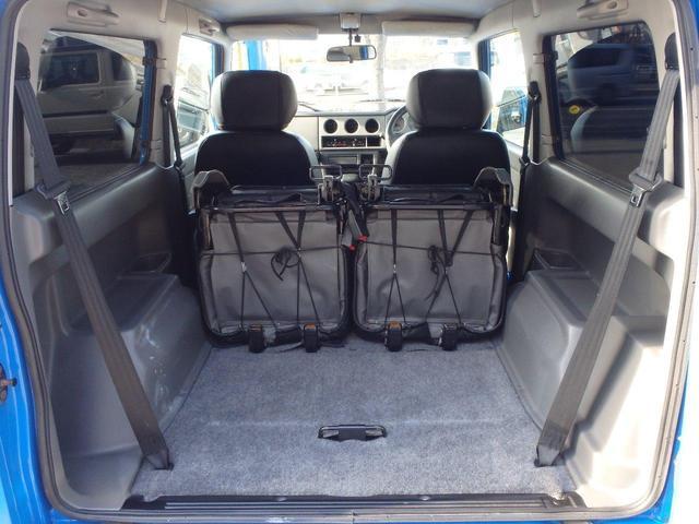後席を収納するとかなりの積載能力があります。大きな荷物も積めますね!