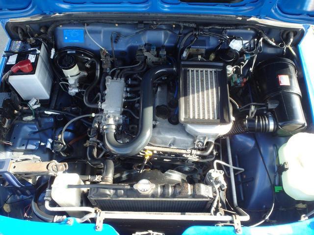 エンジン及びその他の部分は熟練のメカニックが点検・整備を実施した上でご納車させていただきます