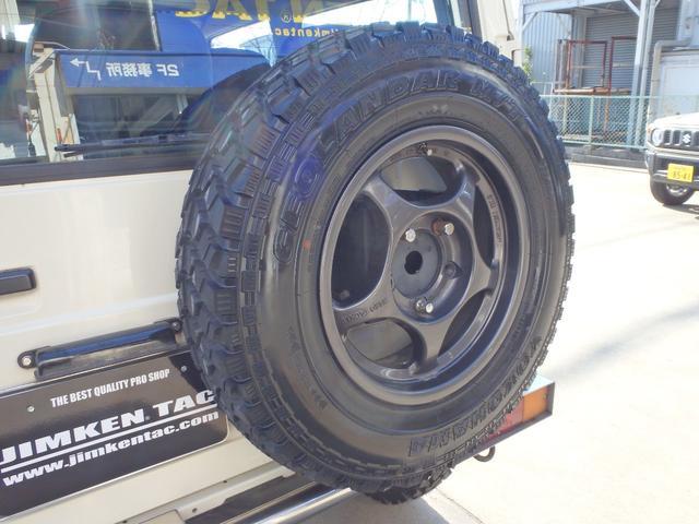 スペアタイヤもハードタックル・アルミホイールにジオランダーM/T6.50R16を装着!タイヤは新品です