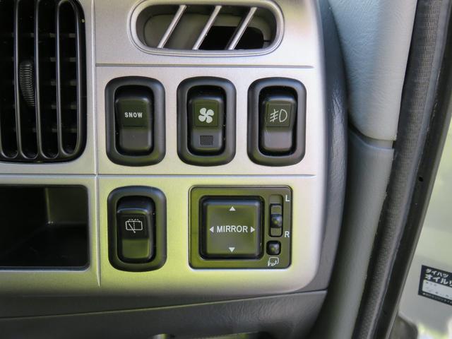 電動ミラー Wエアコン付いてます!