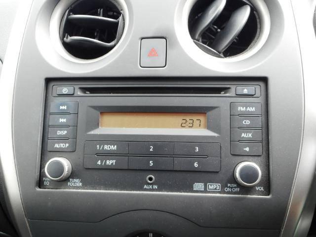 オーディオ付きです★当店でもナビ、オーディオ取り扱っておりますので、もちろん最新式も取り付け可能です♪