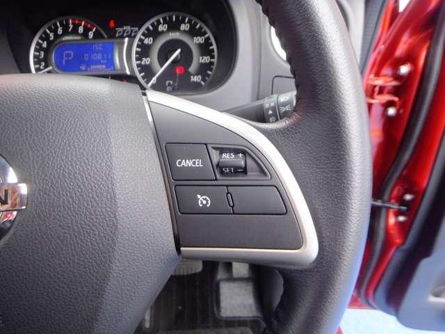 クルーズコントロール(高速道路等で速度設定すると、その速度一定で走行します。)