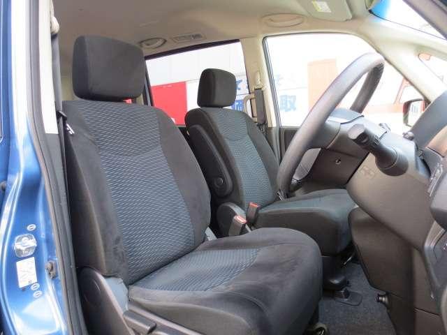 大きなシートで運転もラクラク!