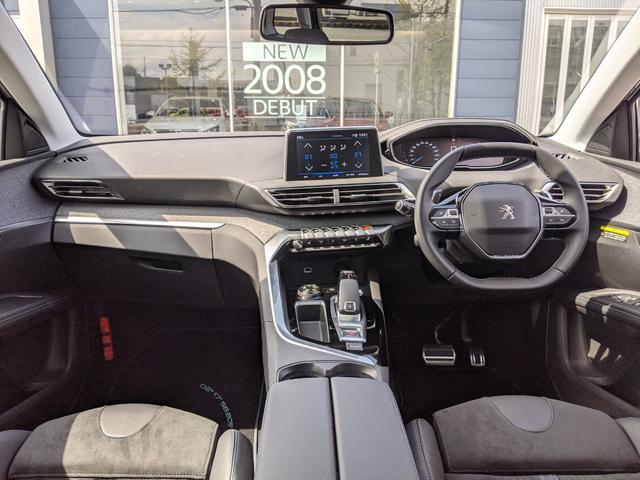 クロスシティ ブルーHDi LEDヘッドライト 運転席パワーシート フロントシートヒーター パノラミックサンルーフ 2列目シートスライド&リクライニング 3列目シート 電動テールゲートCarPlay/Android 弊社デモカー(16枚目)