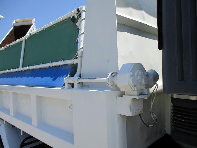 ダンプ 積載3.6t メッキパーツ 電動コボレーン付 ターボ(9枚目)
