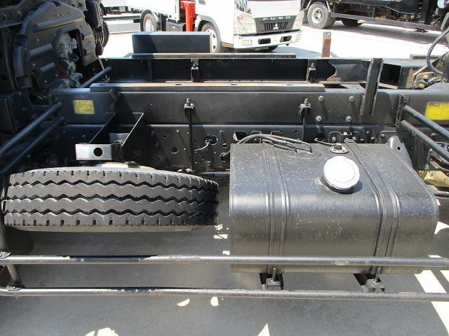 ダンプ 積載3.6t メッキパーツ 電動コボレーン付 ターボ(13枚目)