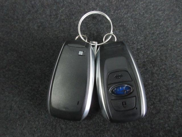 リモコンアクセスキー キーをポケットに入れたままでもドアのロック&アンロックができ、雨の日や、荷物の多い日に大活躍!