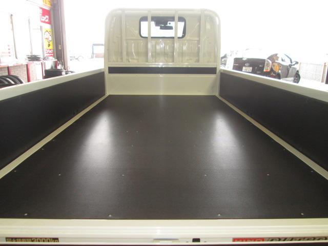 新型ハイグレードPCS全低床平ボディトラック3トン150馬力(11枚目)