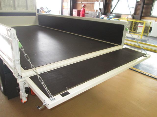 新型ハイグレードPCS全低床平ボディトラック3トン150馬力(14枚目)