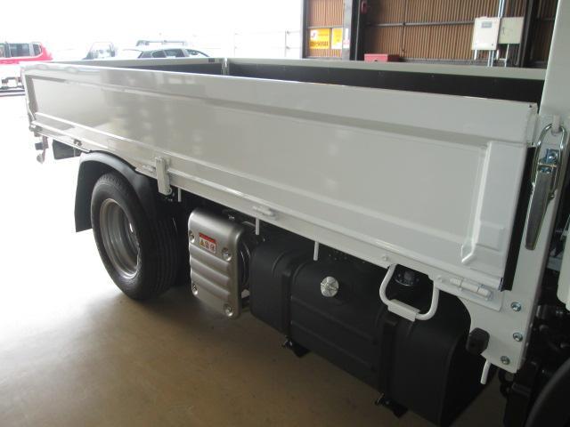 新型ハイグレードPCS全低床平ボディトラック3トン150馬力(15枚目)