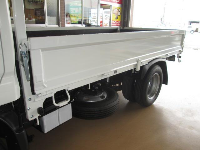 新型ハイグレードPCS全低床平ボディトラック3トン150馬力(16枚目)